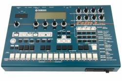 Yamaha RM1X Sequenzer