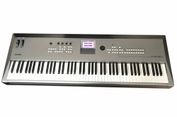 Yamaha MM8 Synthesizer E-Piano