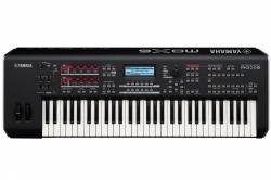 Yamaha MOX6 Synthesizer
