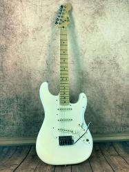 Fender Stratocaster 2 Knob 84
